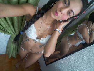 StefaniaLove webcam